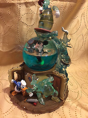 Disney Mickey Mouse Lonesome Ghosts Snowglobe With Le 500 Pin