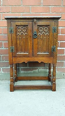 Jaycee Old Charm Oak Pedestal  Sideboard Cupboard Cabinet Lamp Tea Table Bedside