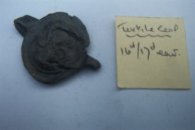 RARE 16th - 17century TEXTILE LEAD SEAL from  THAMES FORSHORE Dated were found