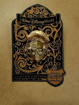 Walt Disney World Annual Passholder Goofy Animal Kingdom Crest Pin 2016 NEW LE