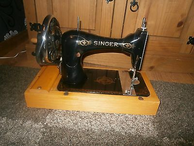Vintage Singer Sewing Machine 14686584 Working