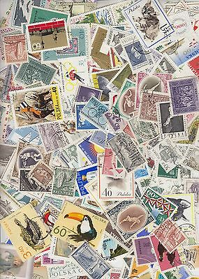 Collection of 1030 Different stamps from Poland. a4