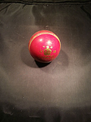 New Khawaja Products 5 1/2 Oz County Warranted Cricket ball / Fast Free UK Post