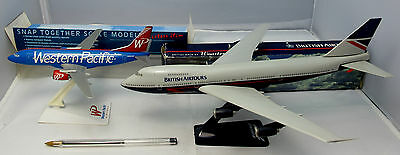 2 Plastic Snap Together Model Aircraft Kits Wooster 1:250 Boeing 747 (957)