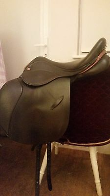 Saddle Company 17.5 inch deep seat jump saddle
