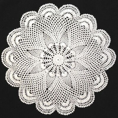 "16"" 41cm white hand crocheted vintage lace doilie, doillie,doily large round"