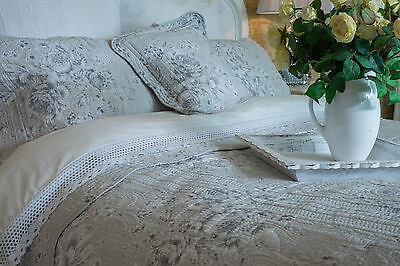 King Size Cotton Quilt Soft Grey / White Floral King Bedspread - 100% Cotton