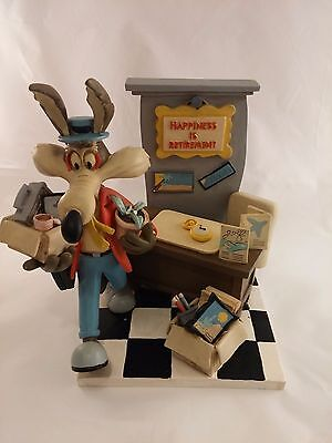 Wile E Coyote Warner Bros Studio Store 1994 Happiness Is Retirement Statue 9.5""