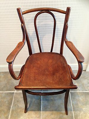 Antique Bentwood Carver Chair (Le65)