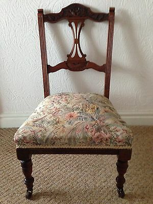Edwardian Walnut Low Chair With Casters (Le65)