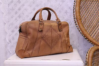 Vintage brown tan leather 70s tooled moroccan box boho briefcase hand bag