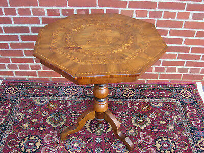 Late 19Th Century Inlaid Marquetry Italian Walnut Sorrento Table