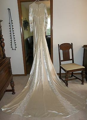 Beautiful Antique 40's Champagne Satin & Lace Wedding Dress w/Train Vintage