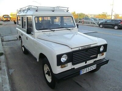 1985 Land Rover Defender  1985 Used Manual 4x4 SUV