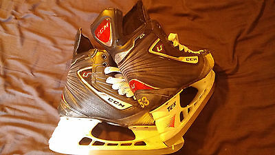 DEREK MORRIS Game used CCM U + CL Hockey skates 10 D/A    SEE SCAN FOR CONDITION