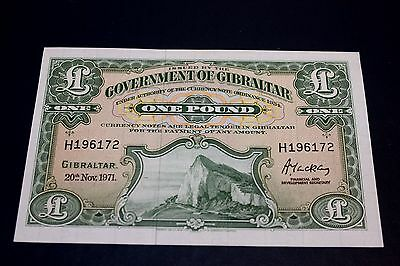 1971 Governmant Of Gibraltar 1 Pound Bank Note SN#H196172 UNCIRCULATED P-19B