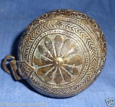 Vintage Old Mughal Collectible Engraved Floral Carved Brass Lime Box Chunadani