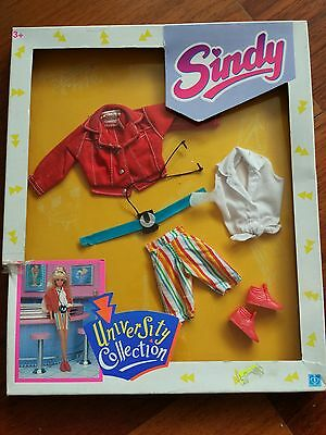 Sindy University Collection Boxed / Buy 3 Sindy outfits = FREE Sindy cards