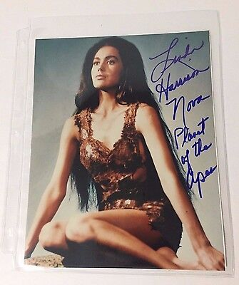 "Linda Harrison ""Nova"" - Planet of the Apes hand signed autograph photo + B&W Pic"