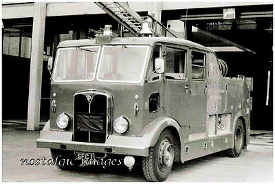 PHOTO TAKEN FROM A 1950's IMAGE OF REGENT PUMP FIRE ENGINE