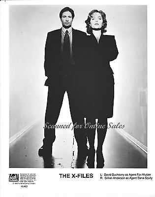 X Files Agent Mulder David Duchovny Scully Gillian Anderson 8x10 Photo