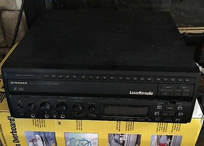 Pioneer CLD-V820 Laser Disc Player Karaoke LaserKaraoke with Cables.  No Remote