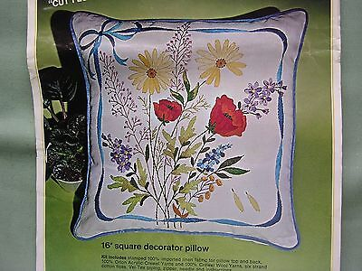 """Bucilla Crewel Embroidery Kit """"Cut Flowers"""" #2186 Pillow Cover kIt"""