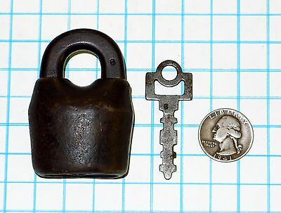 Genuine Vtg Antique Old E.T. Fraim Lock Co Scandinavian Padlock & Original Key 6