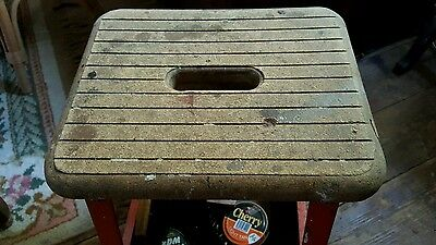 vintage Hirsh shoe shine station stool.couriér or collection