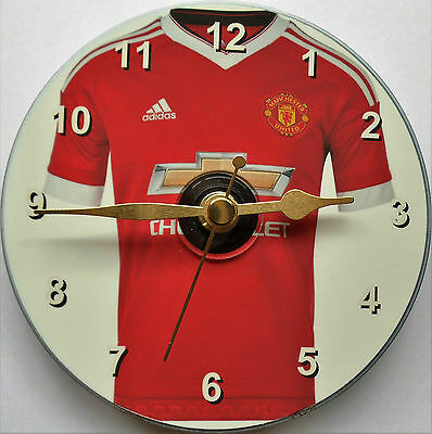 Football cd clock with Man United shirt on clock face