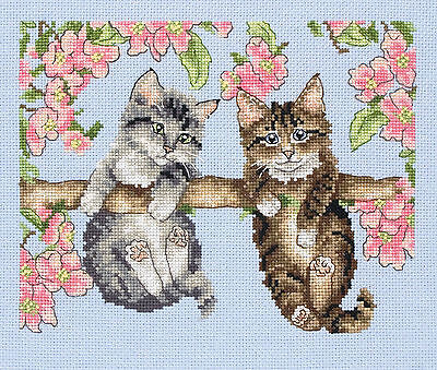 Anchor - Counted Cross Stitch Kit - Kittens - Hanging Around - PCE0503