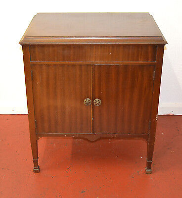 Vintage Academy Gramophone Cabinet No Gramophone just the case. - 854