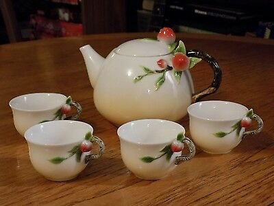 GRAFF PORCELAIN Tea or Saki Set TEAPOT Cups Tea Pot Perfect Condition