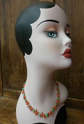 STUNNING VINTAGE CORAL STRAND AND GREEN BEAD 1940's NECKLACE
