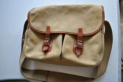 A Very Good Vintage Hardy Canvas With Leather Trim Fishing Bag