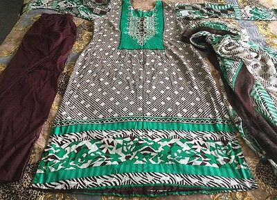 Pakistani Dawood LAWN COLLECTION STITCHED Shalwar KAMEEZ And Dupatta Size M-l