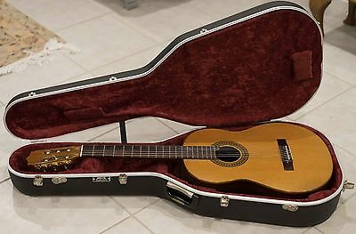 Classical guitar made by Lance Litchfield