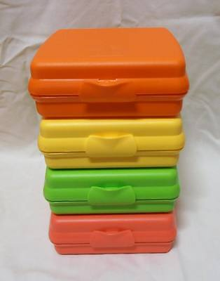 BNIP Tupperware set of 4 gorgeous Sandwich Keeper Squares (match the Eco Bottles