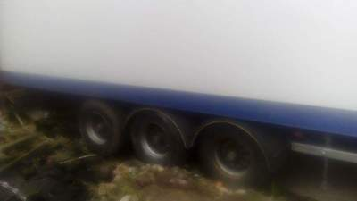 Tri axle trailer with tail lift choice of 4