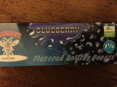 Hornet Blueberry Flavored Rolling Papers, Size 1-1/4, 50 Leaves, Fast Delivery