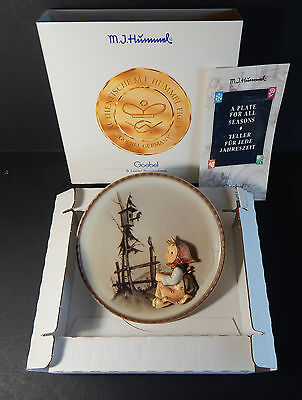 """Hummel by Goebel Annual Plate #297 """"Springtime Serenade"""" 1997 NICE!! with box"""
