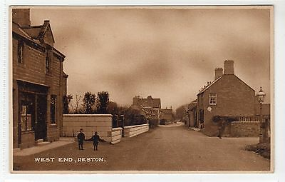 WEST END, RESTON: Berwickshire postcard (C13084)