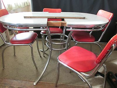 Vintage 1950's Chrome Dining Room Set.  Extra Table Leaf Plus Four Chairs Local