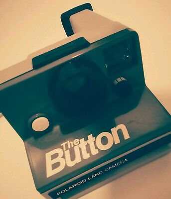 Vintage Polaroid Land Camera The Button /Mint Condition