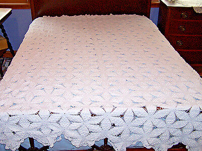 PRETTY VINTAGE HAND CROCHETED POPCORN BEDSPREAD, COVERLET, SNOW WHITE, c1930