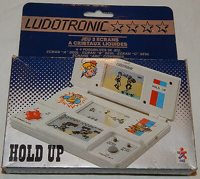 VINTAGE LCD TRI-SCREEN HOLD UP HANDHELD GAME BY LUDOTRONIC & IN BOX/BOXED/watch