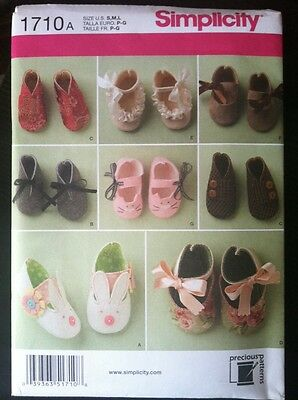 Simplicity Sewing Pattern 1710 Baby Shoes  Slippers Bunnies Thongs New