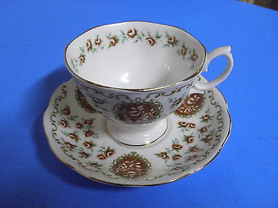 Royal Albert Bone China Tea Cup Cameo Series Heirloom