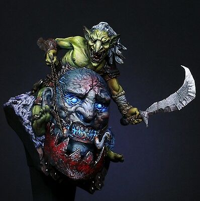 1:10 Siege giant resin bust