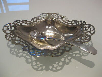 Very Elegant Little Vintage Silver Plated Jelly / Chutney Dish & Spoon